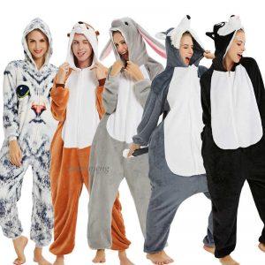 ملابس النوم والبيجامات للجنسين