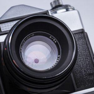 عدسات الكاميرات